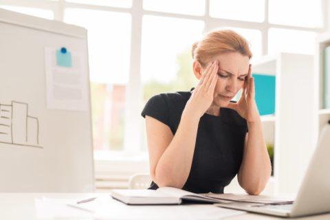 Tecniche manuali e esercizi mirati per curare l'emicrania, il mal di testa, la cefalea